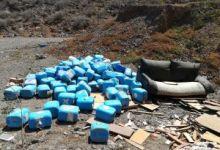 Los ecologistas denuncian vertidos de envases de residuos tóxicos en el Barranco de Silva (Telde)