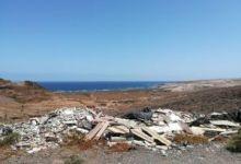 LA VINCA Ecologistas en Acción denuncia un vertido ilegal de escombros y basuras en las cercanías de Playa de Vargas (Agüimes)